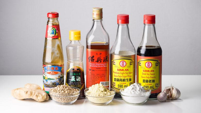 Picture of 10 Chinese cuisine staple ingredients used for cooking.